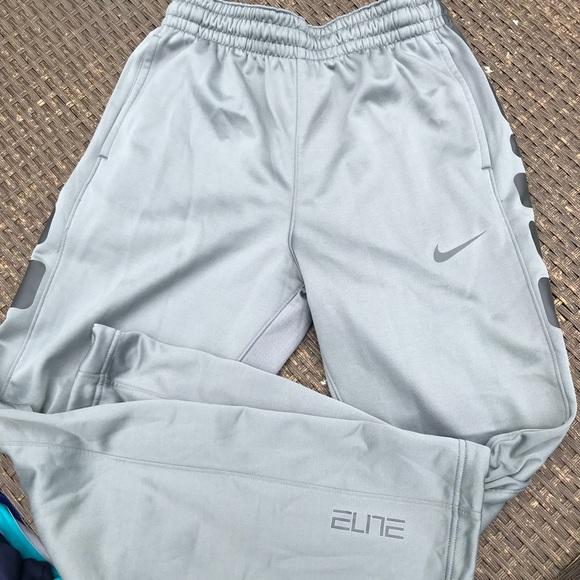 019ee07c4d752 Nike Men's Elite Therma Basketball Pants size med.  M_5bb2354ad6dc526c8876ede2